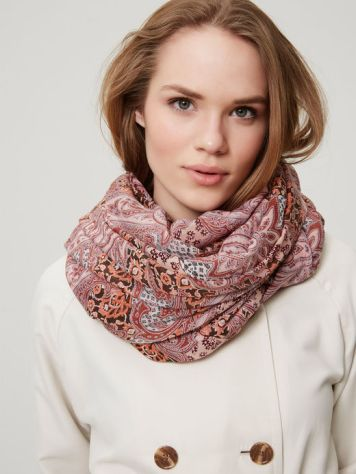 Paisley-pattern-womens-scarf-by-Vero-Moda-with-print-by-Patrick-Moriarty