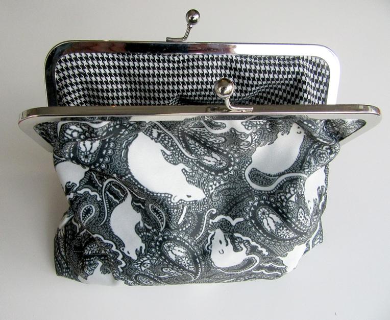 Paisley-Power-rat-pattern-fabric-clasp-bag