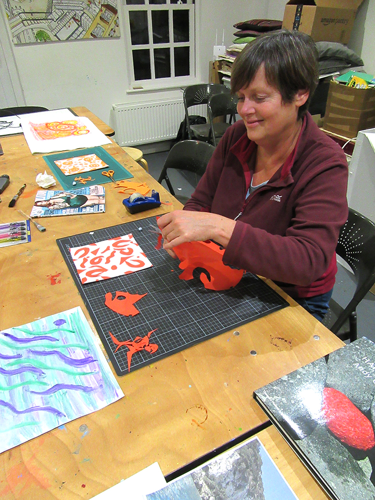 student-learning-to-design-printed-fabric-at-METAL-Art-School